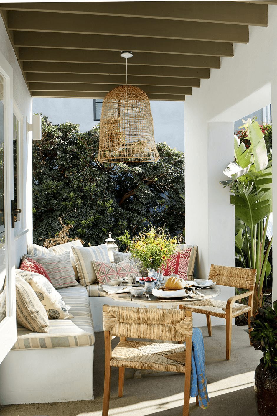 BOHEMIAN BACKYARD PORCH DESIGN IDEAS