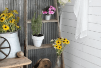 DIY WOODEN LADDER RUSTIC FRONT PORCH DECOR IDEAS