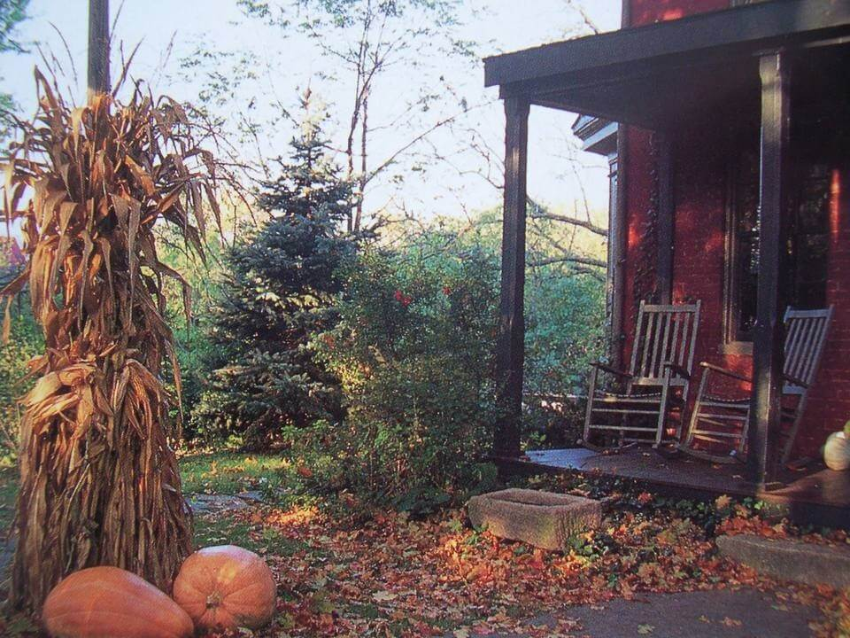 FRONT PORCH DECOR IDEAS FALL LEAVES SHOWER