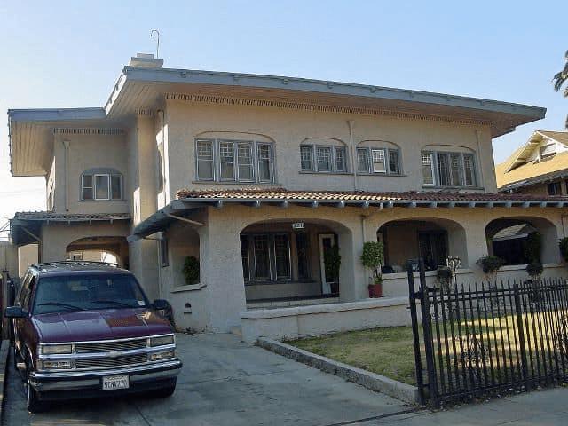 LARGE PORCH HOUSE PLANS