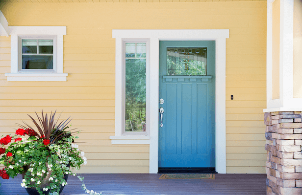 PLAY WITH PAINT FOR FRONT PORCH DECOR ON A BUDGET WITH BLUE DOOR