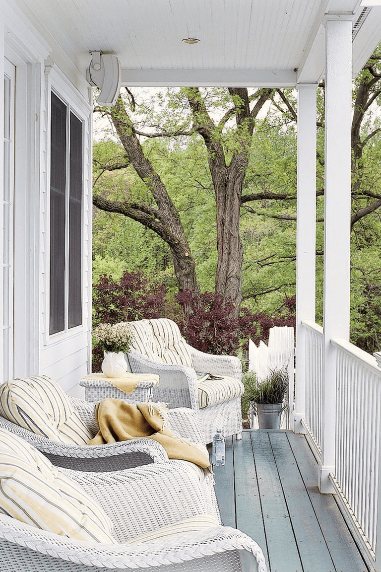 SMALL BACKYARD PORCH DECORATING IDEAS
