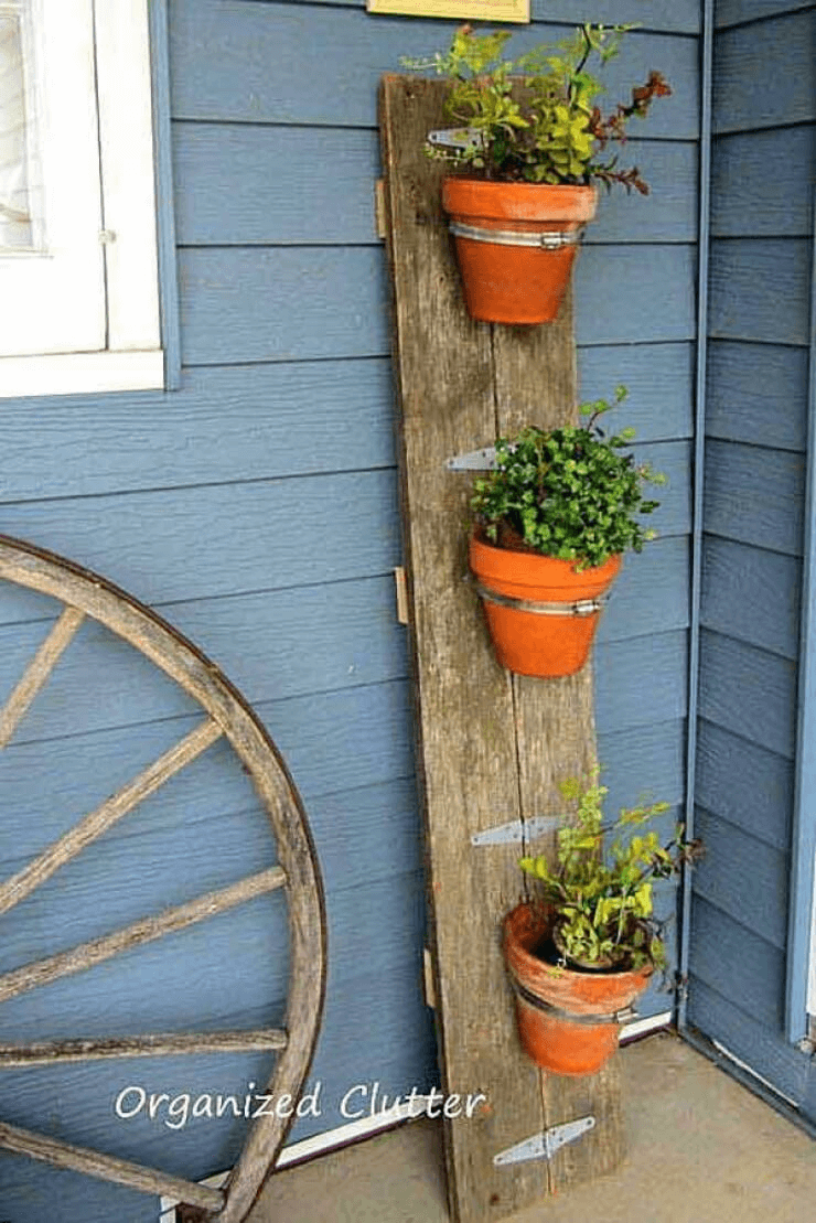 HOW TO CREATE DIY POT BARN FROM OLD BOARD FOR PORCH DECORATION WITH FLOWER PLANTS