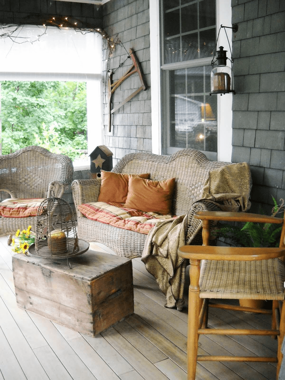 MOUNTAIN CABIN FARMHOUSE PORCH DECOR IDEAS