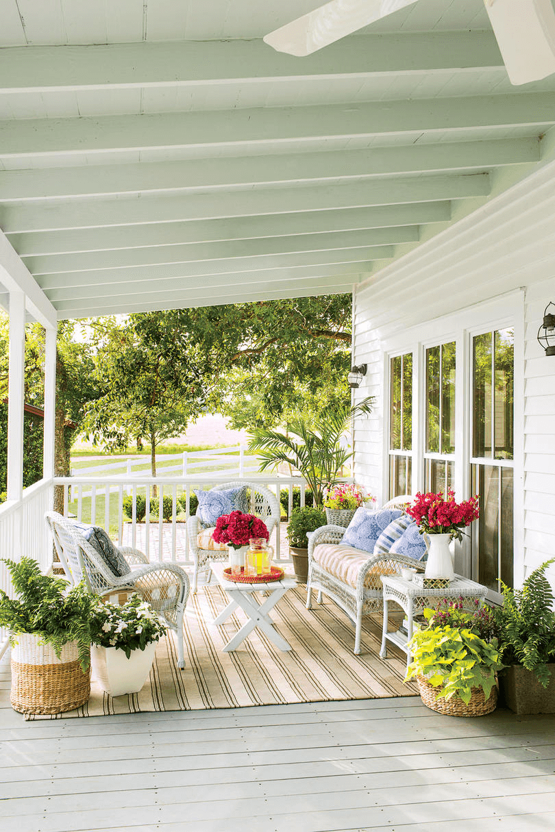 PORCH DECORATING IDEAS WITH BLOOMING FLOWERS