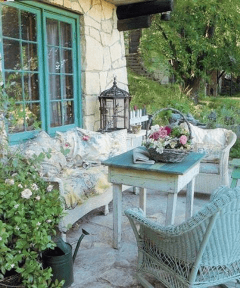 SHABBY WOODEN AND WOVEN FURNITURE FOR PORCH DECOR IDEAS