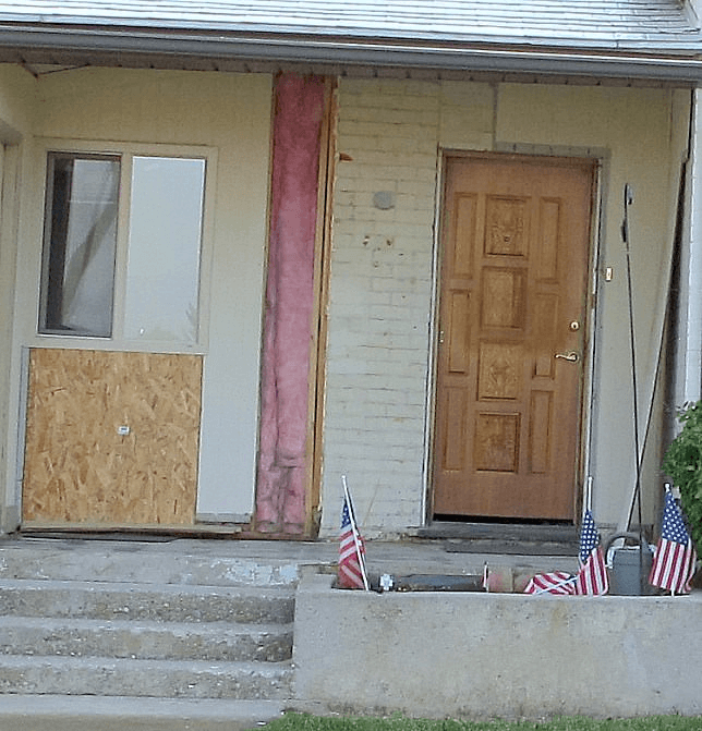 BEFORE UNPOLISHED CHARM PORCH MAKEOVER