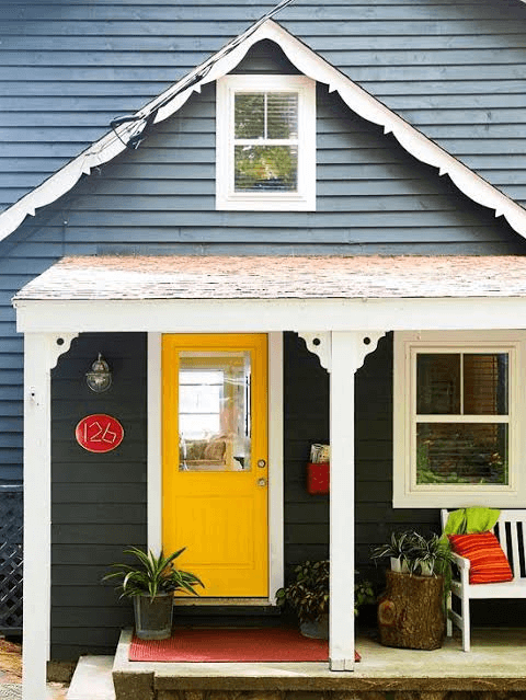 BRIGHT CONTRAST TINY HOUSE PORCH DESIGN IDEAS