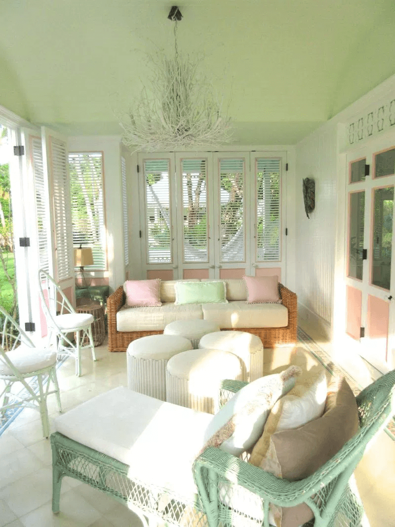CANDY FEAST DESIGN IDEAS FOR COVERED PORCH