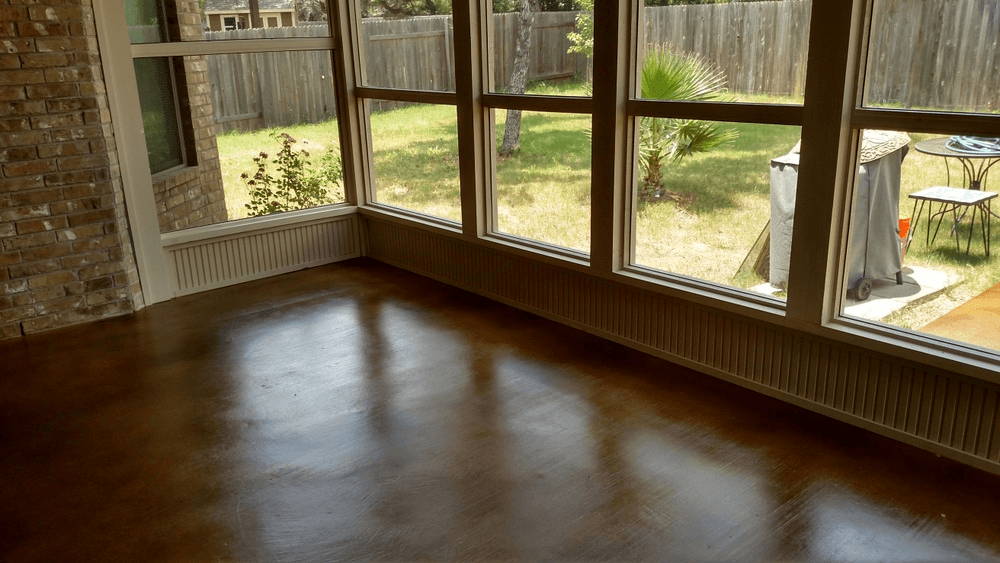 CONCRETE STAIN SCREENED PORCH FLOORING IDEAS