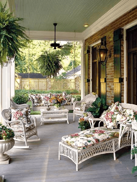 FLORAL COMFORT DESIGN IDEAS FOR COVERED PORCH