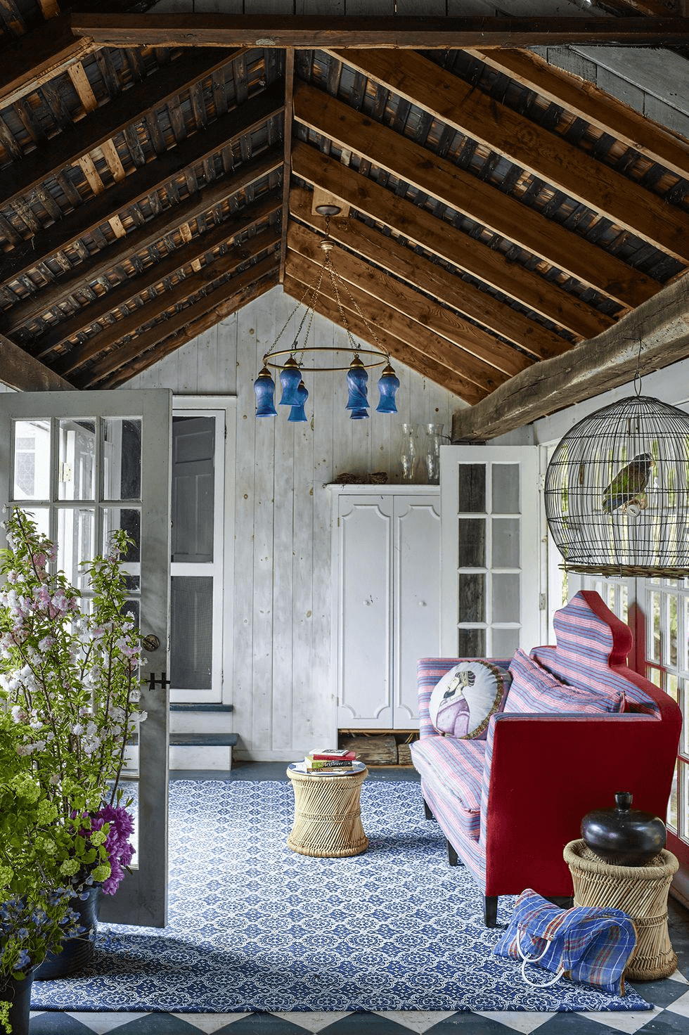 PORCH LIGHTING DESIGN IDEAS WITH BLUE SCONCHES