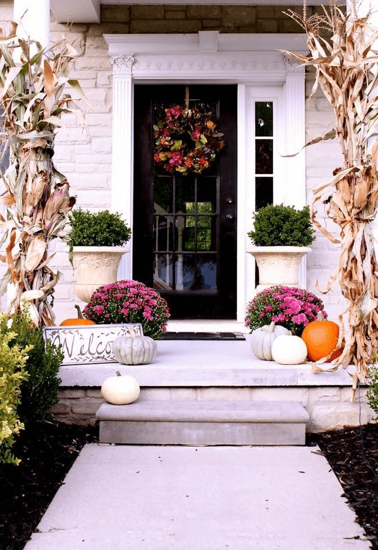WREATH SMALL PORCH DESIGN IDEAS
