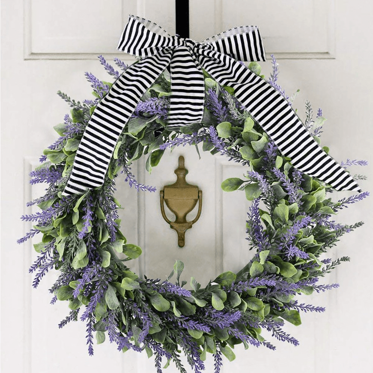 BEST PORCH DECORATION IDEAS FOR PARTY WITH WREATH IN FRONT DOOR