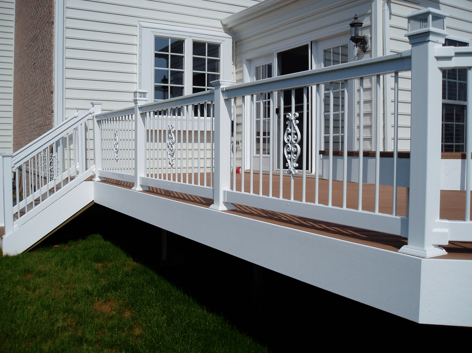 BEST PORCH RAILING MATERIALS