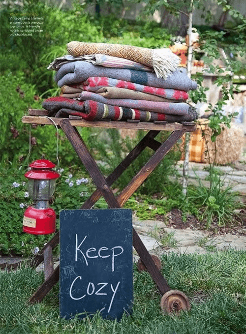 FOLDING TABLE BLANKETS FOR PORCH PARTY DECOR IDEAS