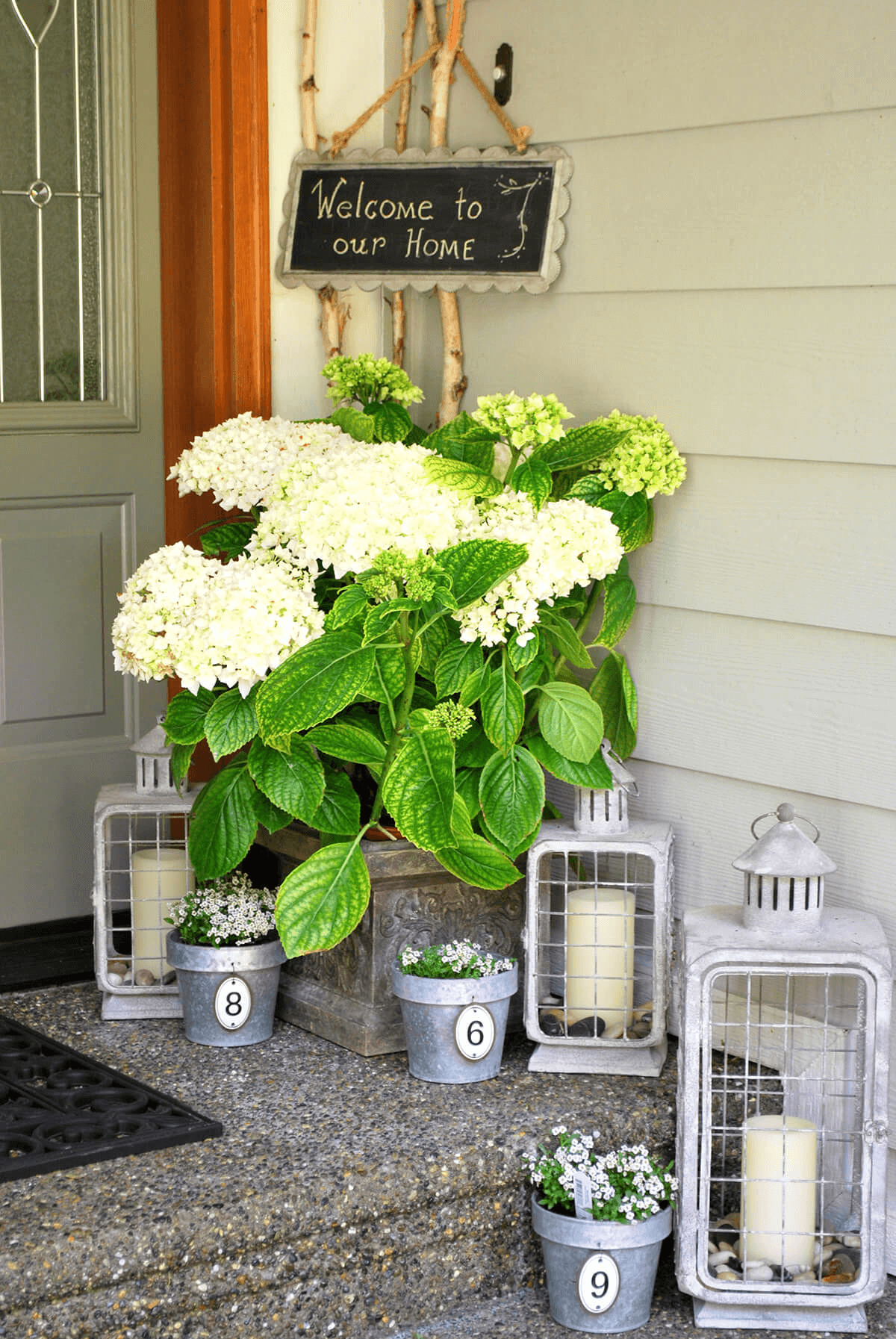 HYDRANGEA AND LANTERNS FOR SPRING AND SUMMER DIY PORCH DECOR IDEAS