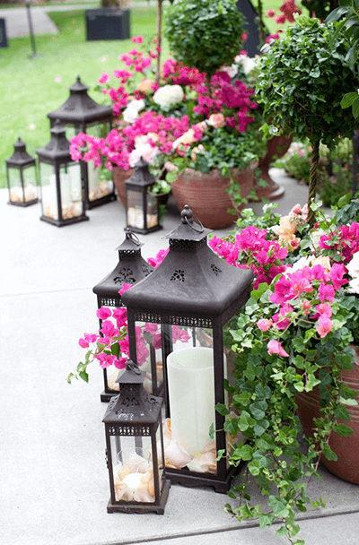 PLANTS AND LANTERNS FOR PORCH PARTY DECOR IDEAS