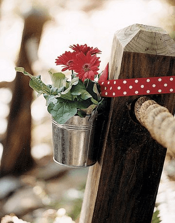 PORCH DECOR IDEAS WITH GALVANIZED BUCKETS FOR PARTY