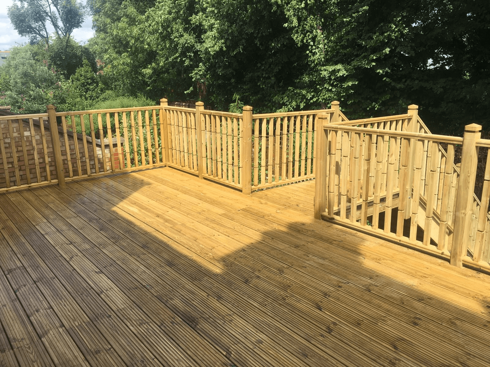 SOFTWOOD RAILING PORCH MATERIAL WITH INTERESTING DESIGN