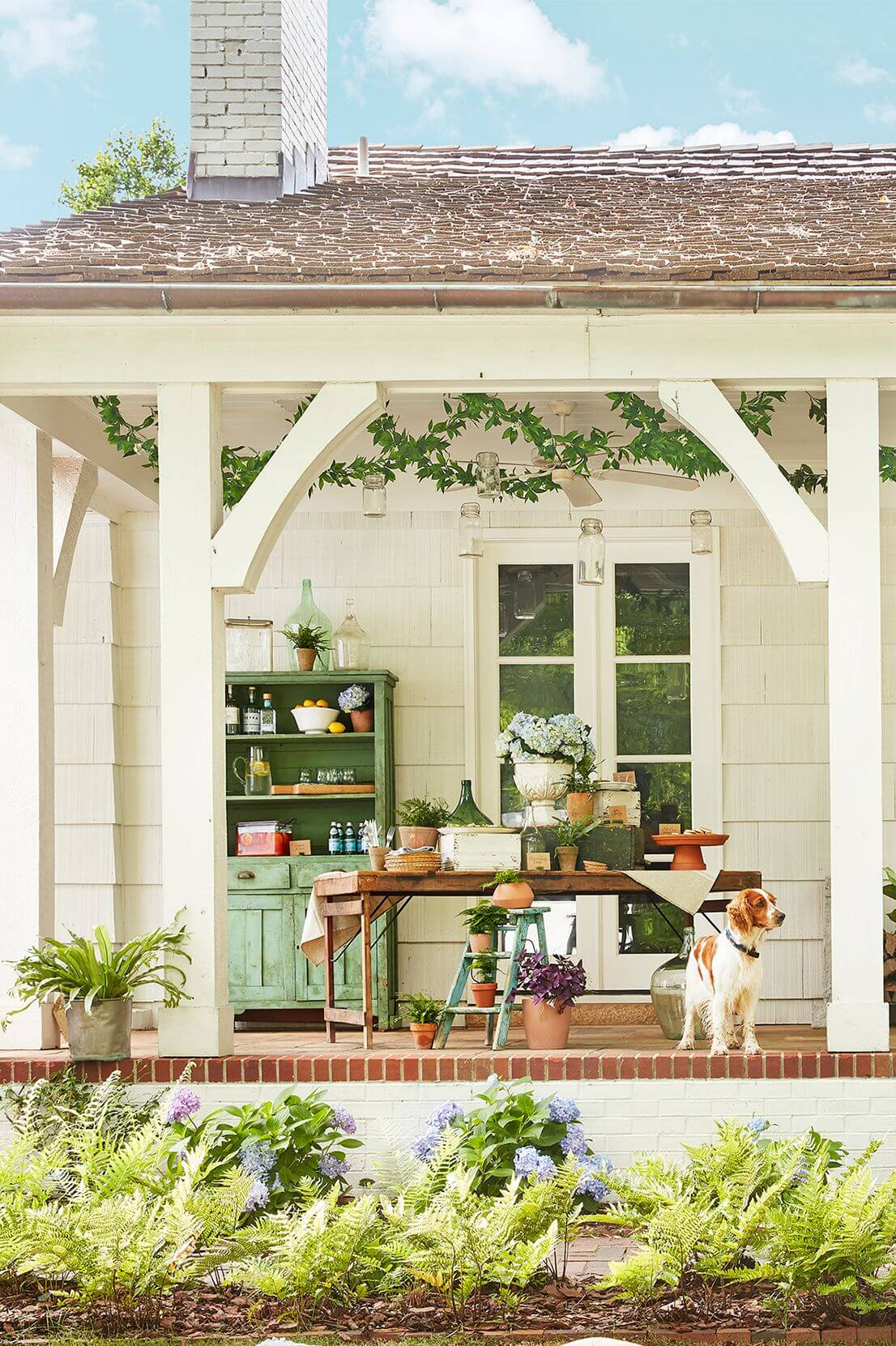 VINTAGE FRONT PORCH SEATING DESIGN IDEAS