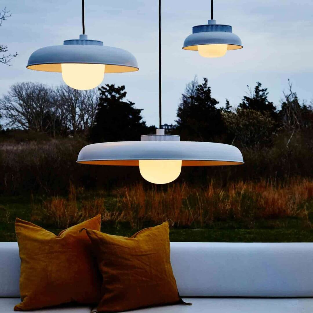 HOIST OUTDOOR PENDANT PORCH LIGHT