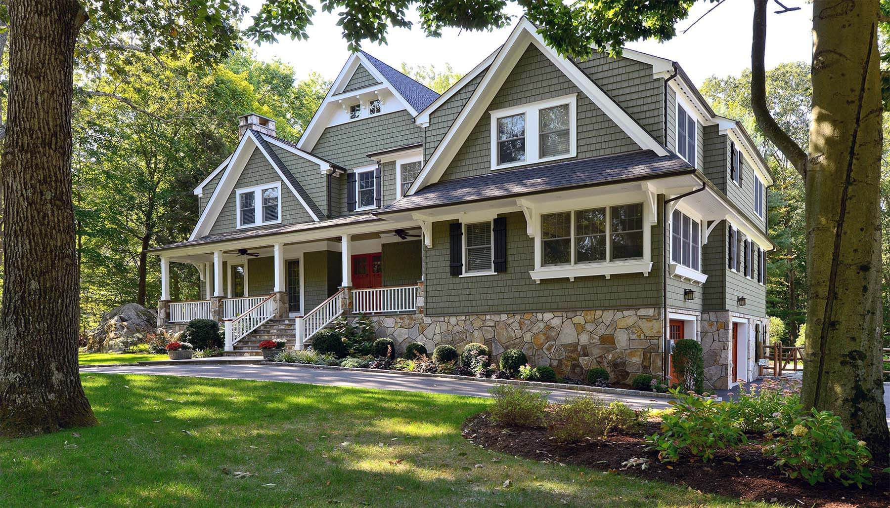 MOODY GREEN PORCH PAINT COLOR IDEAS