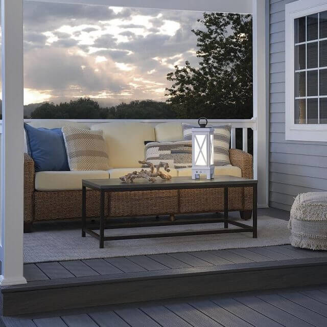 OUTDOOR PORCH FARMHOUSE LANTERN LIGHT IDEAS