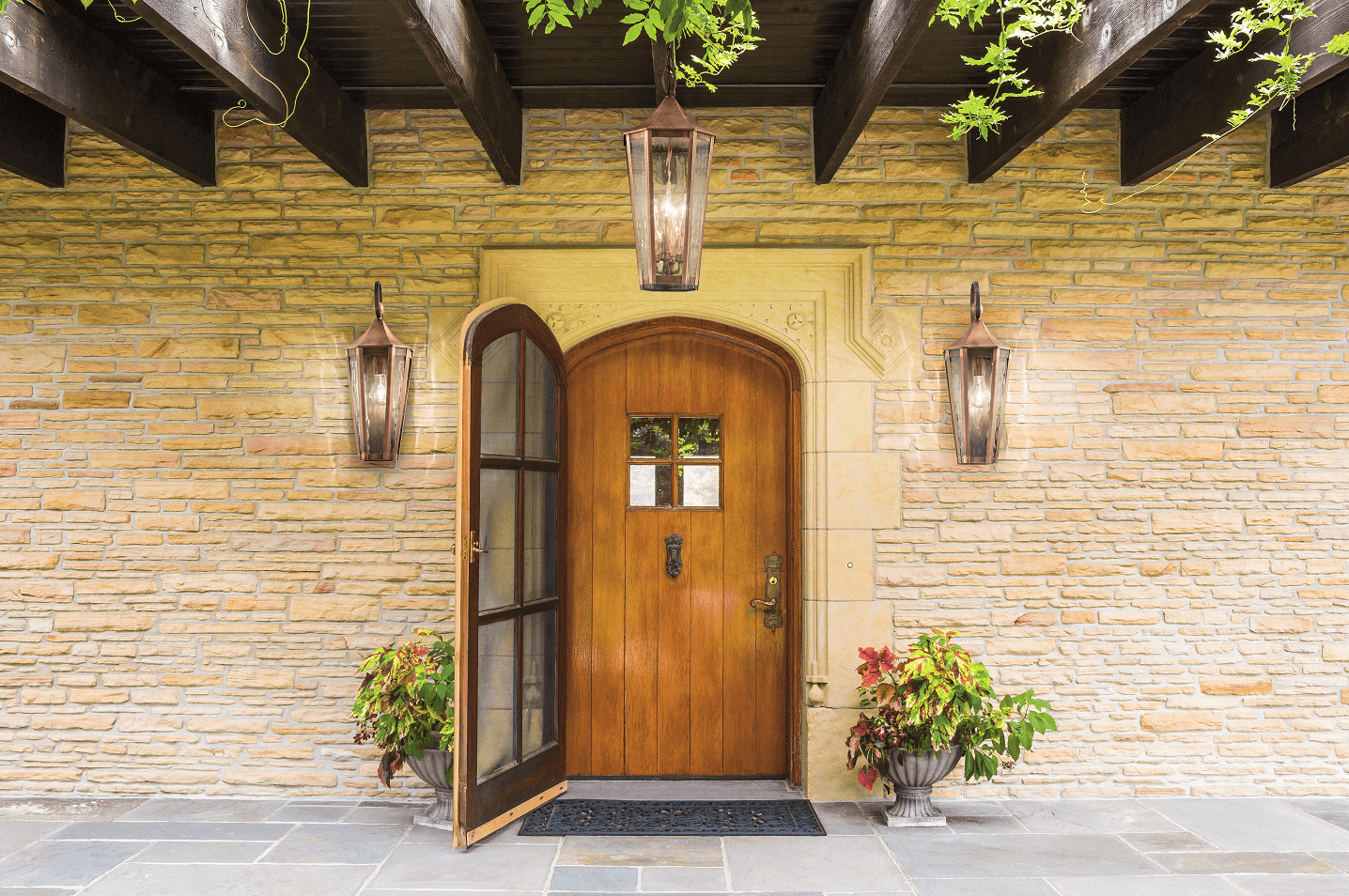 OUTDOOR PORCH LIGHT IDEAS. TIPS HOW TO CHOOSE