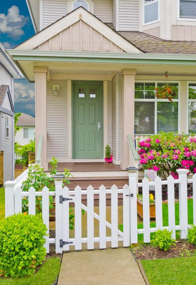 SIMPLE SMALL FRONT PORCH GARDEN IDEAS WITH A SMALL PLANT