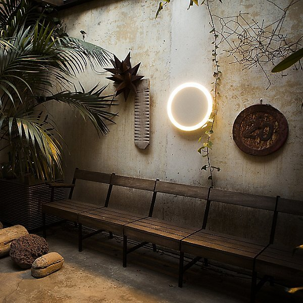 THE RING OUTDOOR PORCH LIGHT