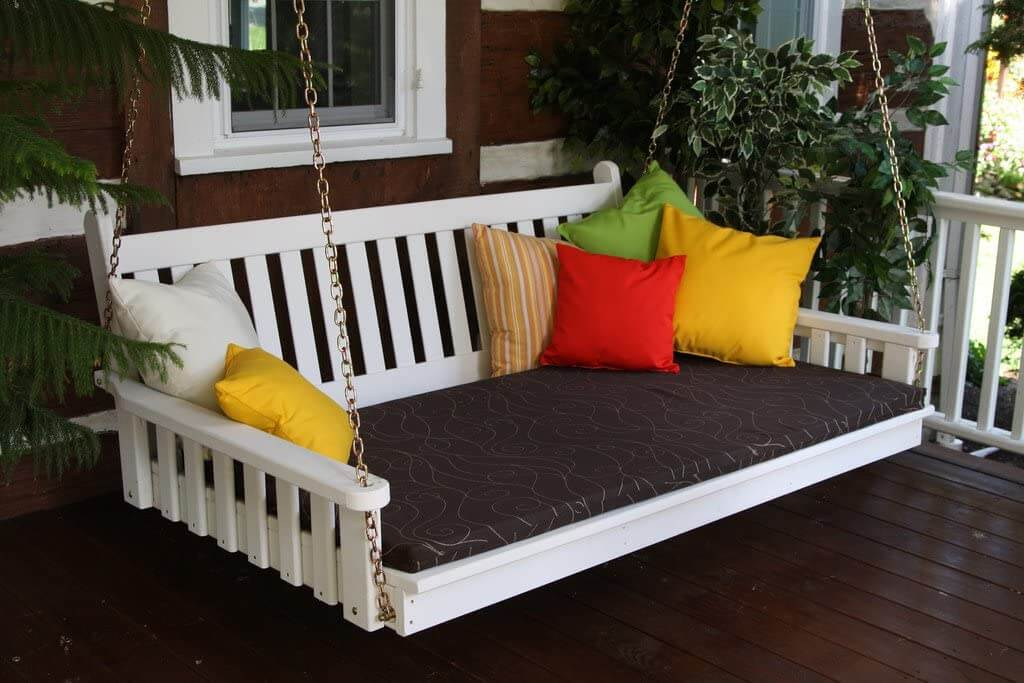 TRADITIONAL ENGLISH PORCH SWING BED