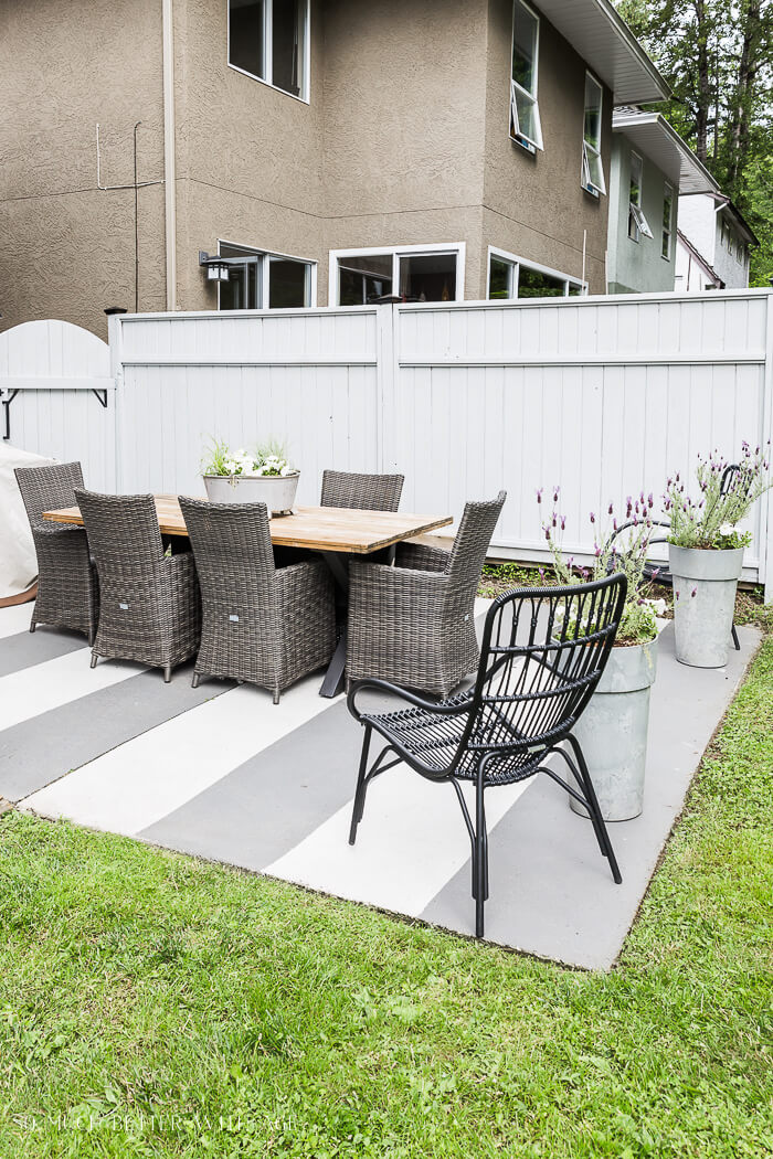 WHITE AND GRAY PORCH FLOOR PAINT COLOR IDEAS