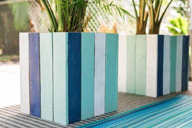 PAINTED PLANTERS IDEAS FOR PATIO DECORATION ON A BUDGET