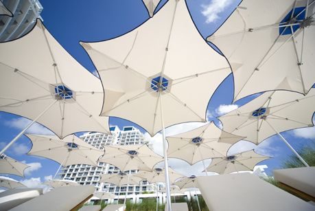 PATIO SET WITH MORE THAN ONE UMBRELLA