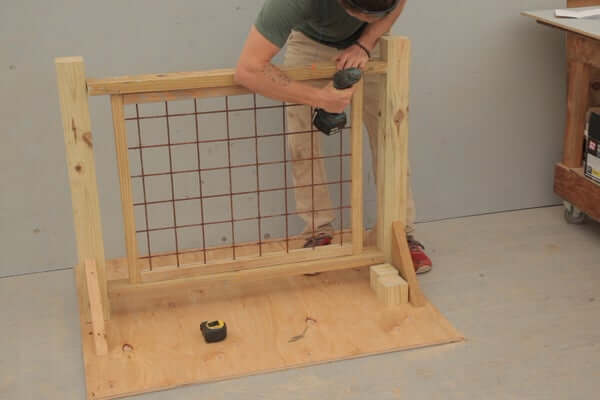 INSTALLING THE FRAME TOP HOG WIRE DECK RAILING