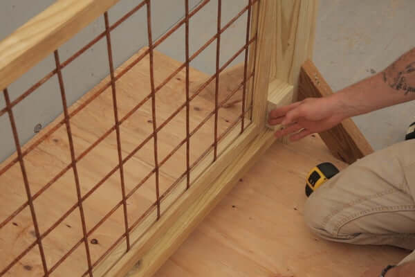 INSTALLING THE PANEL HOG WIRE DECK RAILING