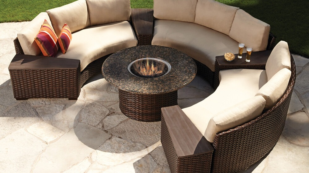 Lloyd Flanders Curved Patio Set with Fire Pit