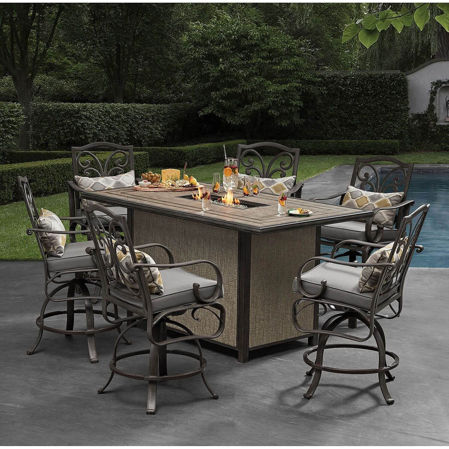 CHOOSING THE RIGHT BAR HEIGHT PATIO TABLE