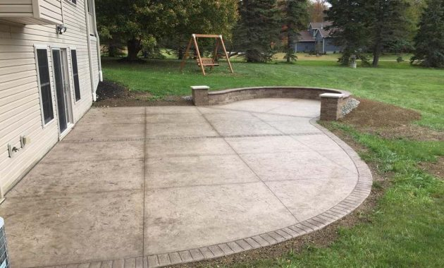 CONCRETE PATIO CLEANING USING VINEGAR
