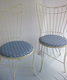 SIMPLE WROUGHT IRON PATIO CHAIRS DESIGN