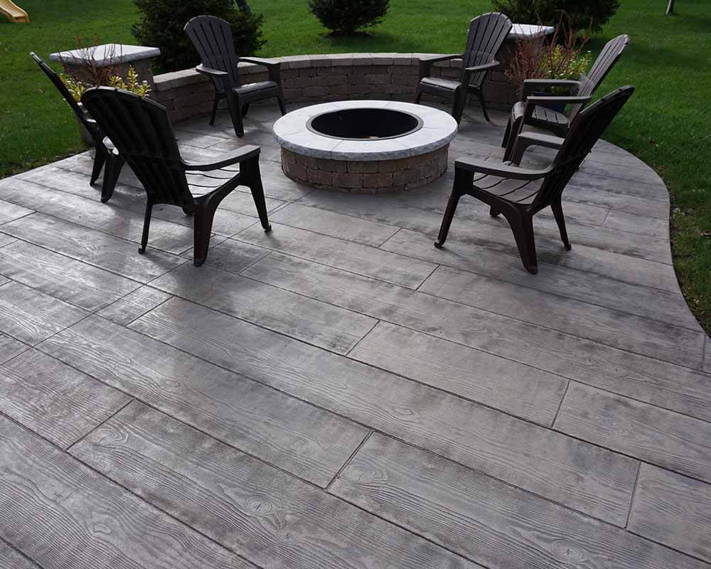 WOODEN PLANK STAMPED CONCRETE PATIO IDEAS