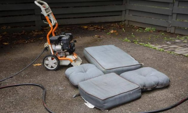 HOW TO CLEAN PATIO CUSHIONS AND VACUUM ALL PARTS OF IT