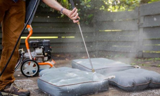 HOW TO CLEAN PATIO CUSHIONS STEP BY STEP USING GARDEN HOSE