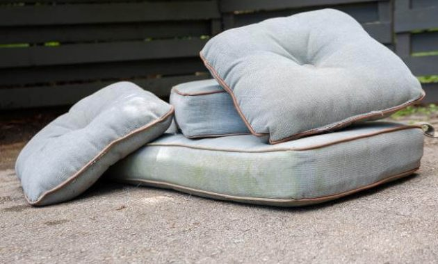 HOW TO CLEAN PATIO CUSHIONS. DRY IN TWO WAYS