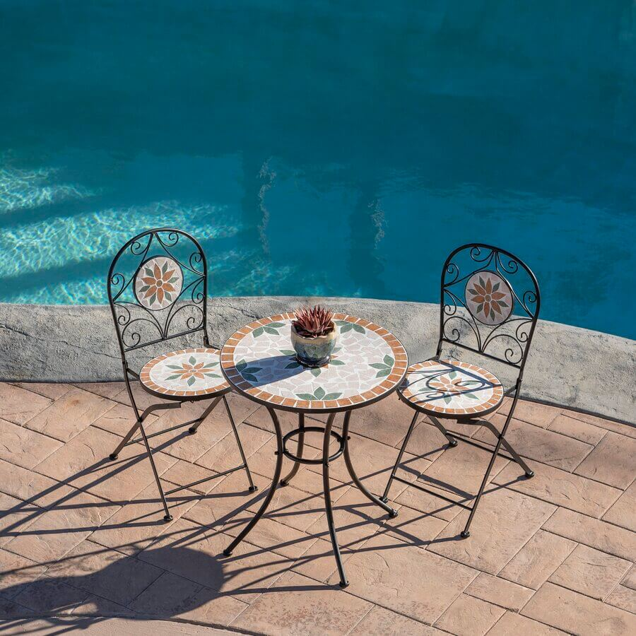 ART SET ROUND PATIO TABLE AND CHAIRS