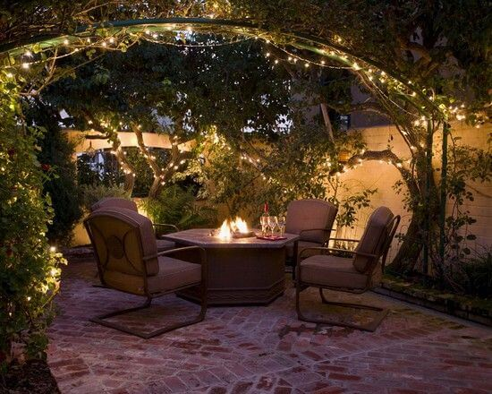 THE PLANTS LED PATIO STRING LIGHTS
